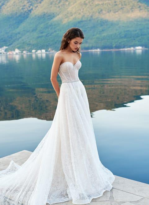 67760b47f44 Свадебные платья А-силуэт