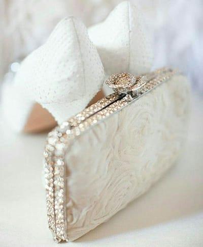 Верная спутница. О сумочке невесты и ее содержимом. Часть 2