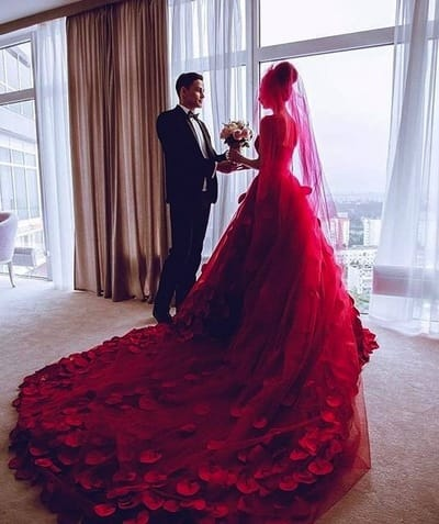 Руководство по цветным свадебным платьям