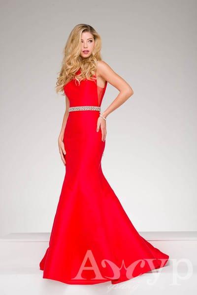 Модний тренд вечірньої моди - червоний і його відтінки