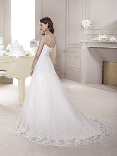 Королевское свадебное платье со шлейфом
