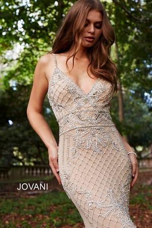 Тренд выпускного платья 2018 - вышитый бисером Нюд