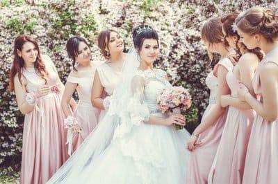 Пять идей для декора весенней свадьбы