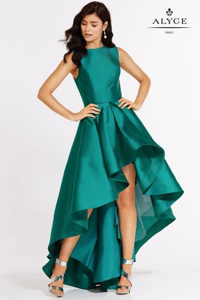 Платья короткие спереди и длинные сзади
