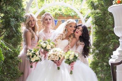 Как учесть вкусы подружек невесты при выборе их нарядов