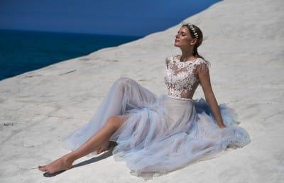 Пляжные свадебные платья – лучшие модели и украшения для пляжной церемонии