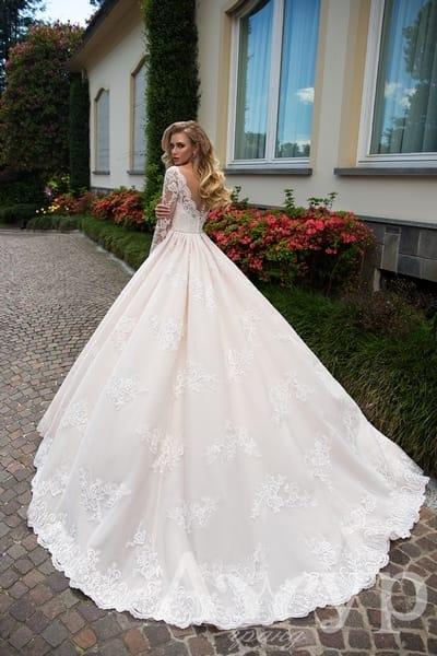 Леди в кружевах - 8 свадебных платьев для романтичной невесты