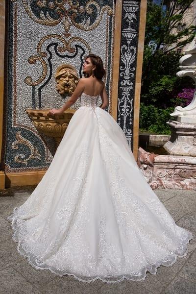 Свадебный образ невесты в парижском стиле