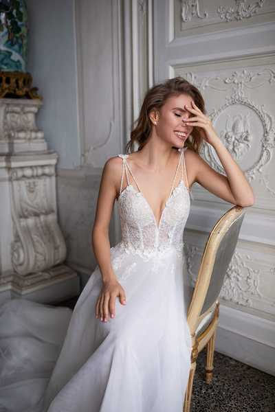 Как создать игривый образ невесты с свадебными платьями от салона Ажур?