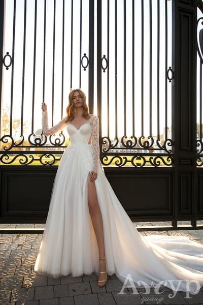 Свадебные платья с разрезом на ноге