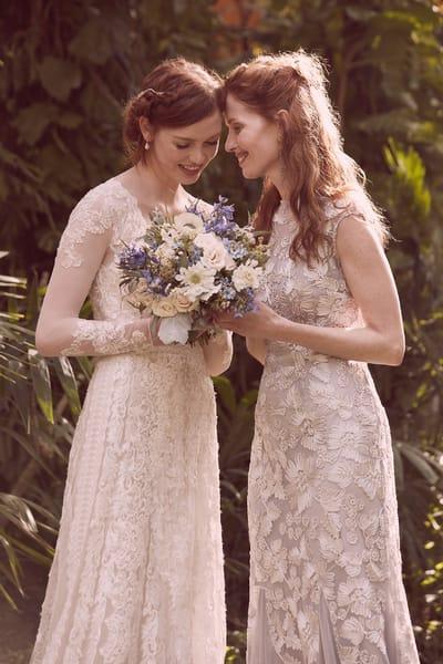 Советы по выбору вечернего платья для мамы невесты