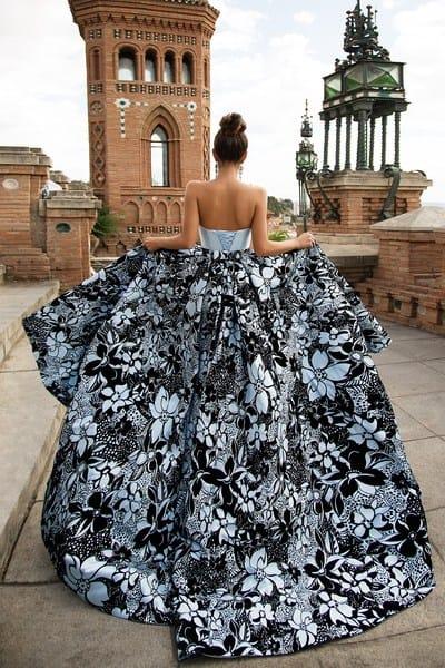 Вечернее платье в стиле принцессы: особенности наряда и его применение