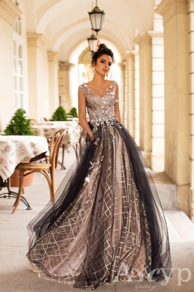 Все о вечерних платьях: классификация, разновидности, актуальность