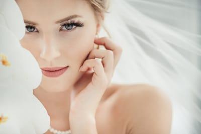 От каких бьюти-процедур стоит отказаться накануне свадьбы: а какие, наоборот, ввести