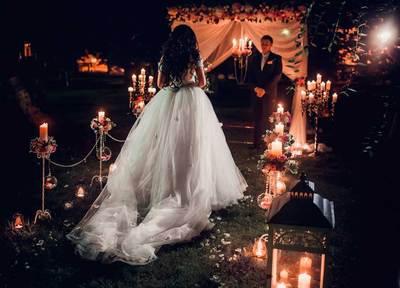 Вечерняя свадебная церемония: чем отличается от дневной и как провести