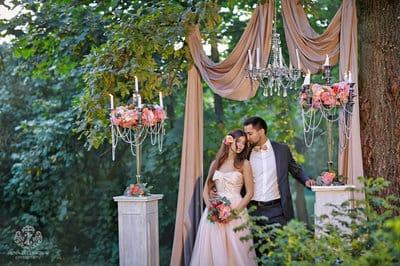 Весілля: створюємо необхідний антураж