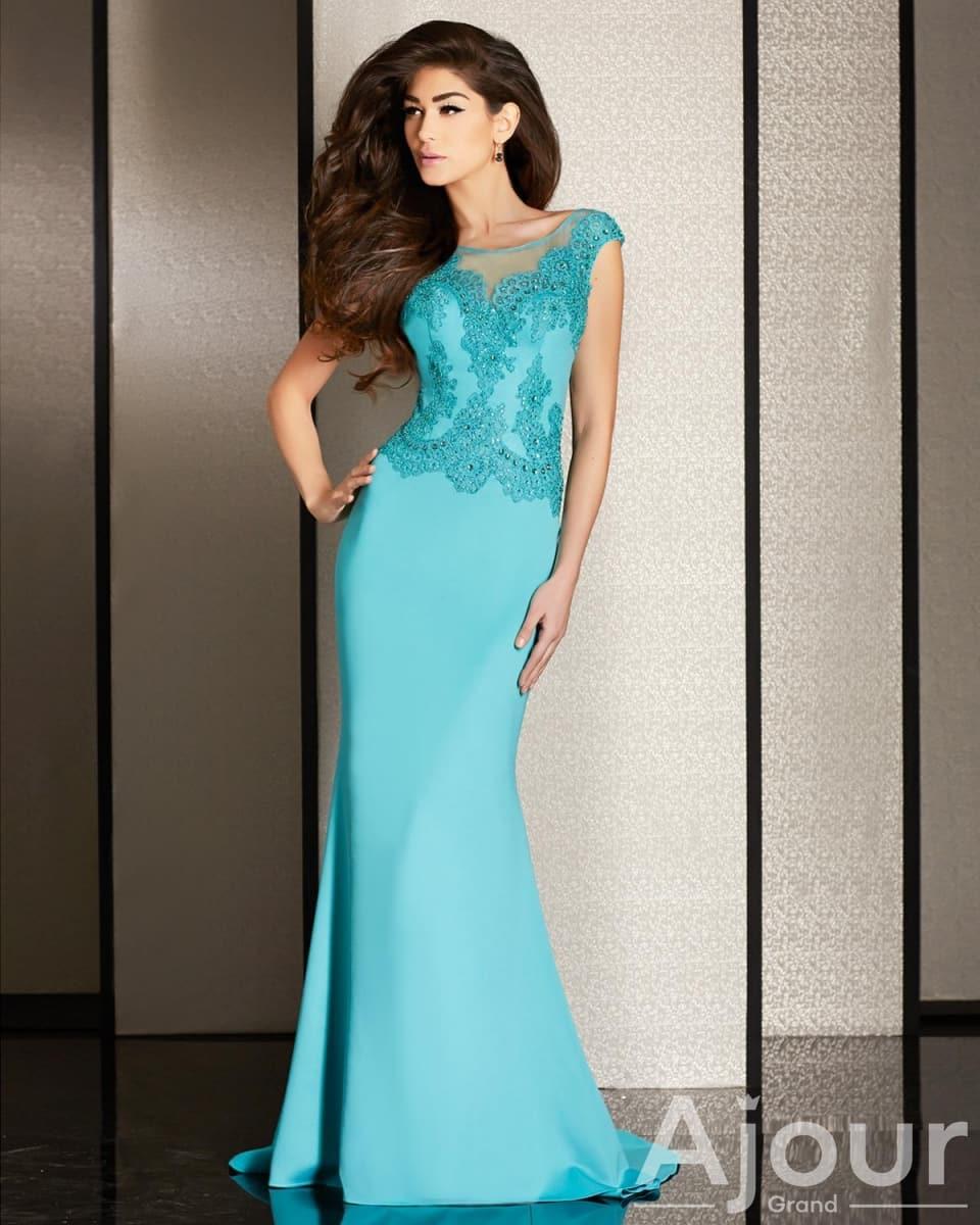 Подбираем платье для свадьбы подруги